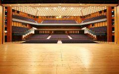 Größer Saal Sicht von der Bühne aus