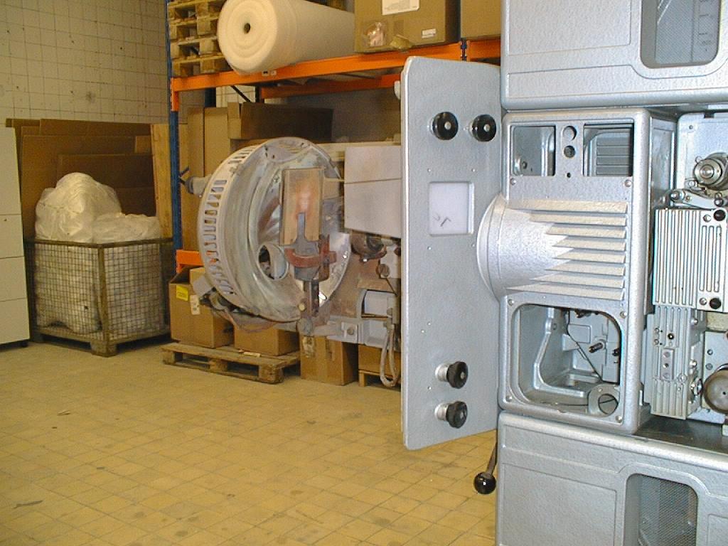D21 Projektor mit Bogenlampe ohne Gehäuse 2