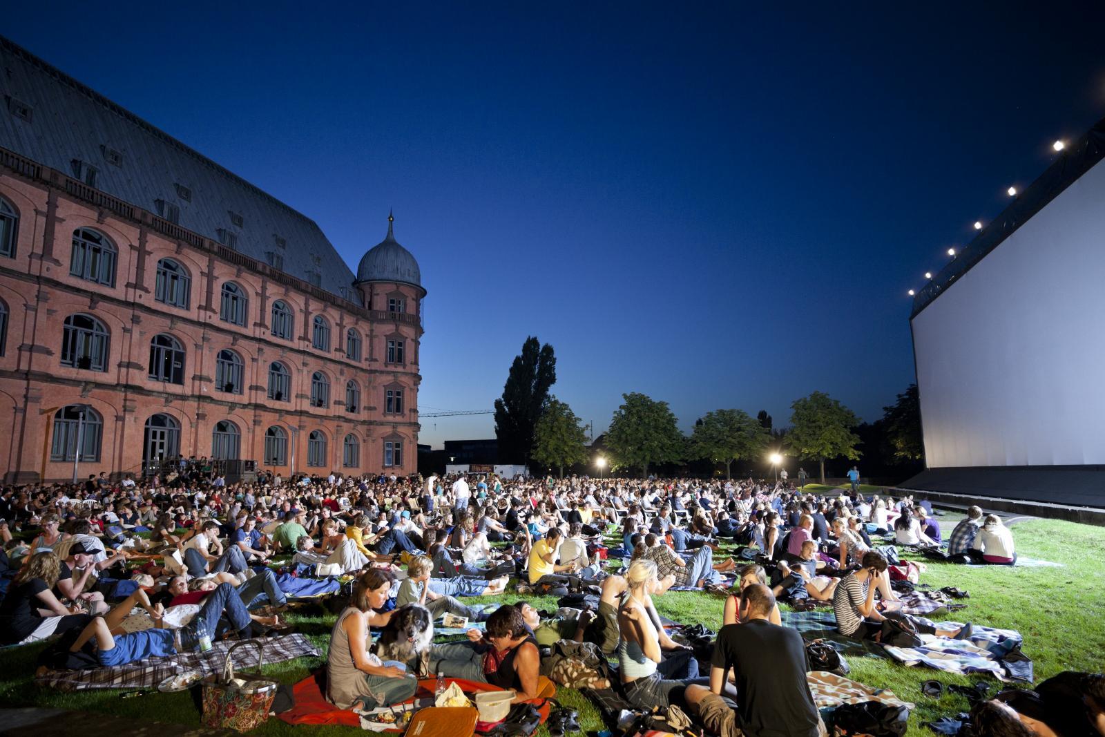 Open Air Kino am Schloss Gottesaue in Karlsruhe