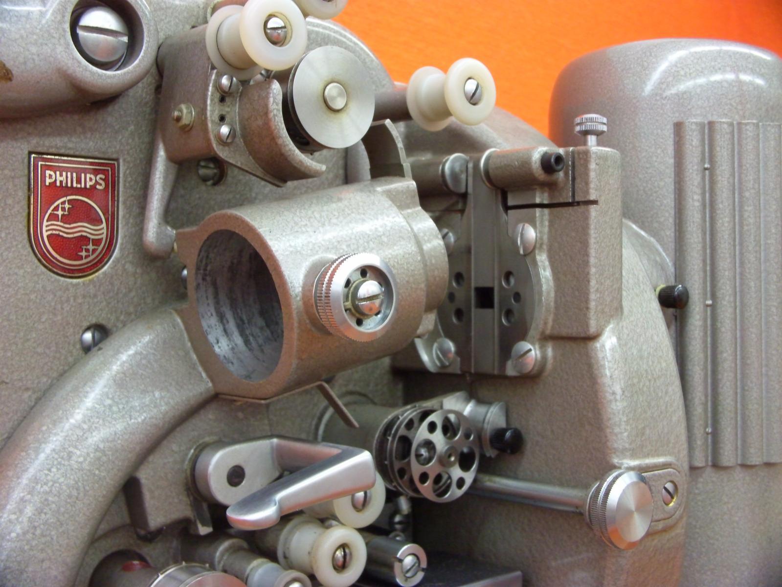 Philips EL5001 Öffnen der Filmbühne Bildsequenz Bild 6