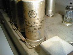 149 Philips VE1325-01 Draufsicht Deteil Siebkondensator.jpg