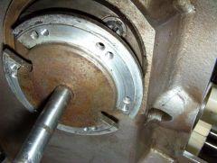 DP70 Projektorkopf Blendenwelle neue Gewinde geschnitten Bild 1.JPG