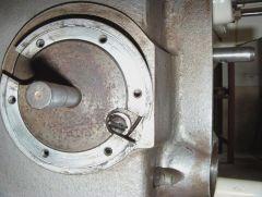 DP70 Projektorkopf Blendenwelle Anriss für neue Gewinde Bild 1.JPG