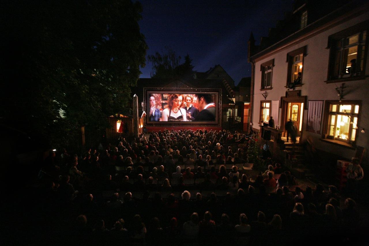 """Free Cinema """"Kino im Hof - mit ohne Dach"""""""