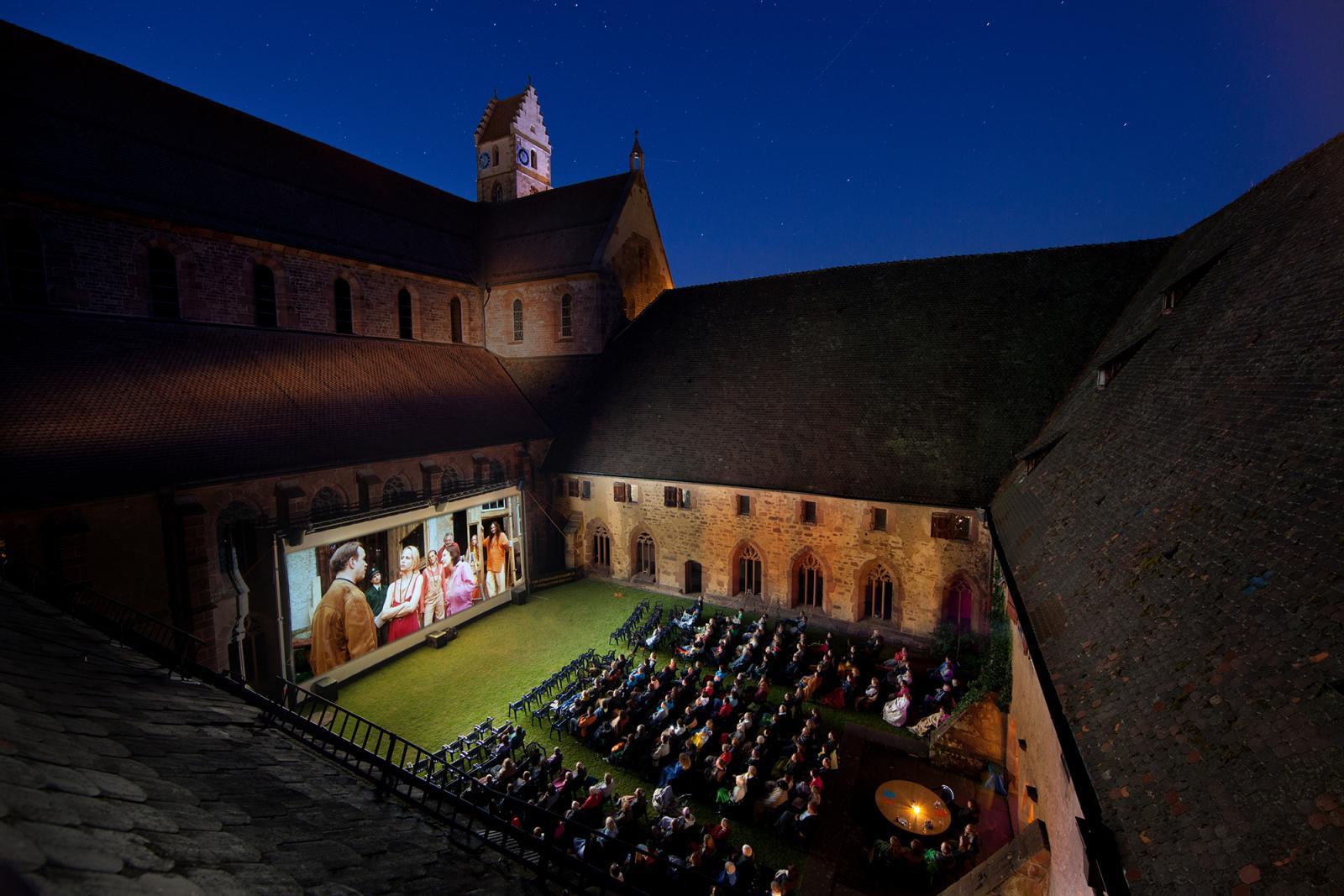 Open-Air-Kino im Kloster